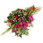 Fleurs deuil : gerbe main pour obsèques.